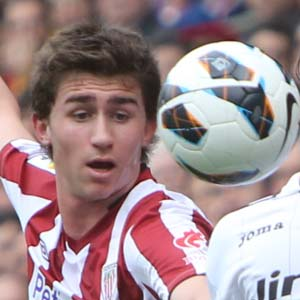 El Athletic sigue buscando lateral